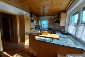 Großzügiges Einfamilienhaus zu verkaufen