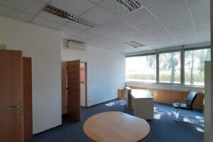 Büro- und Lagerflächen